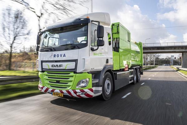 Primer camión de recogida de basura DAF CF Electric entregado a ROVA
